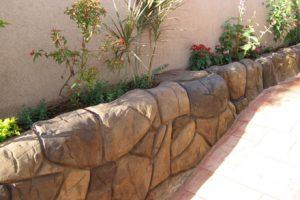 חיפוי גדר אבן חופשית